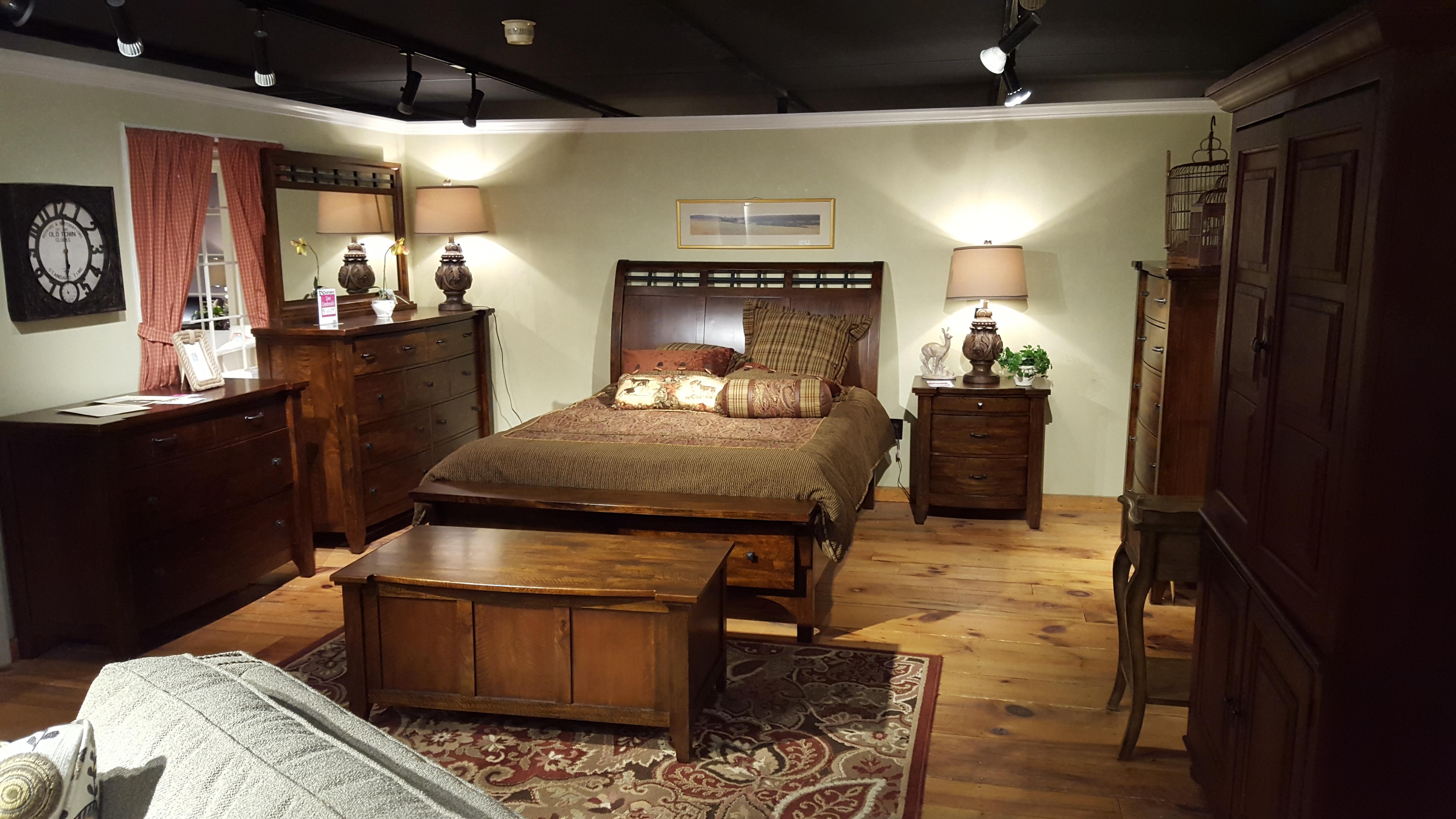 70 Series Bedroom Set Bed Chest Dresser Mirror Nightstand
