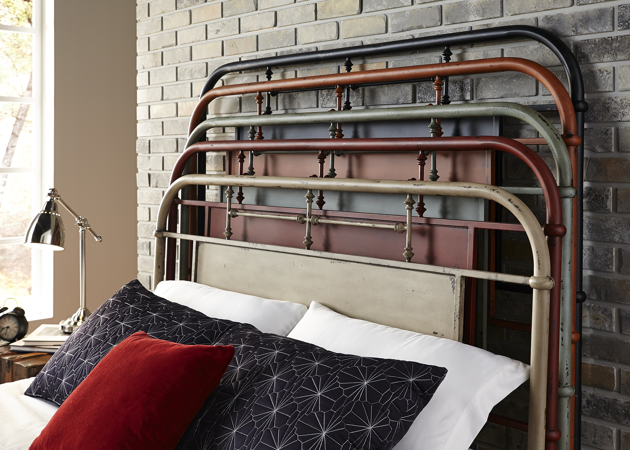 Classic Vintage Styling Turned Spindles Metal Bed Bedroom